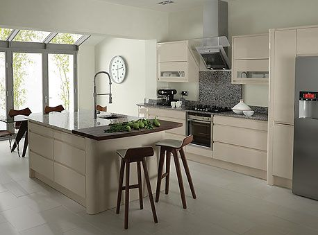 Decora o de cozinhas modernas for Contemporary kitchens uk