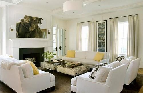 sala de estar branca e madeira