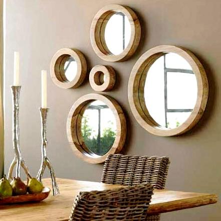http://www.decoracaointeriores.org/wp-content/uploads/2010/07/espelhos-na-decora%C3%A7%C3%A3o-interiores.jpg
