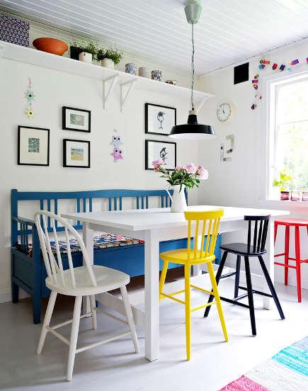 Cadeiras muito coloridas