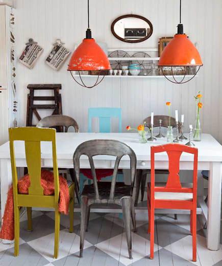 Cadeiras com várias cores