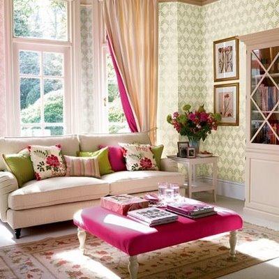 sala clássica decorada com várias cores