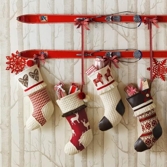 formas-festivas-de-pendurar-as-meias-de-natal-em-casa-2