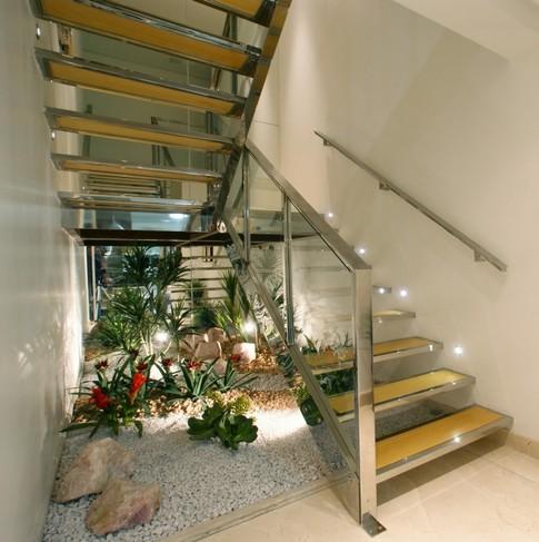 Jardins sob escadas